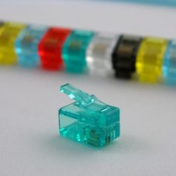 Komplet 5 szt złoconych wtyczek marki Netrack typu: RJ9 4P4C do zaciskania na kabel typu linka.
